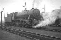 WD Austerity 2-8-0 no 90350 in the shed yard at Thornton Junction in October 1964.<br><br>[K A Gray&nbsp;30/10/1964]