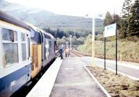 A class 37 prepares to take a train south from Crianlarich in September 1987.<br><br>[Ian Dinmore&nbsp;13/09/1987]