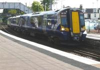 380004 arrives at Kilwinning on 6 May with the 16.20 Largs to Glasgow Central service.<br><br>[Ken Browne&nbsp;06/05/2011]