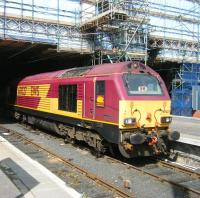 EWS 67027 stands in the locomotive bay at the east end of Waverley on 14 June.<br><br>[Veronica Clibbery&nbsp;14/06/2011]