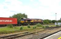 DBS 66162 with eastbound containers passing Didcot on 16 June.<br><br>[Peter Todd 16/06/2011]