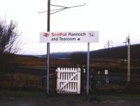 Welcome sign, Rannoch, January 1989.<br><br>[Ian Dinmore&nbsp;/01/1989]