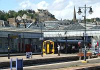 158732 departs from Stirling on 20 August 2011 with a service for Edinburgh. Stirling Castle overlooks the scene.<br><br>[John McIntyre&nbsp;20/08/2011]
