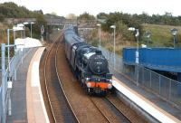 45231 <I>Sherwood Forester</I> drifts down through Dunfermline Queen<br> Margaret with the SRPS 'Forth Circular' second run on Sunday 21st August 2011. <br> <br><br>[Brian Forbes&nbsp;21/08/2011]