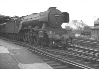 A3 no 60107 <I>'Royal Lancer'</I> leaving Newcastle Central on 25 August 1962 with the 5.10pm to Kings Cross.<br><br>[K A Gray&nbsp;25/08/1962]