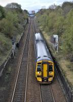 158 723 descends Cowlairs Incline towards Glasgow Queen Street on 9 October 2011.<br> <br><br>[Bill Roberton&nbsp;09/10/2011]