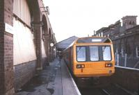 142004 stands at platform 2 at Chester station in October 1986.<br><br>[Ian Dinmore /10/1986]