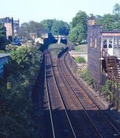 The remains of Newington Station on the Edinburgh 'sub' as seen looking east from the Mayfield Road bridge on a fine late Spring Sunday in 1971. [See image 7601]<br><br>[Bill Jamieson&nbsp;//1971]