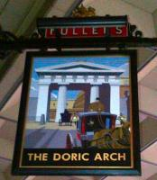 Contrary to popular rumour, there is still a Doric Arch at Euston. However, it's a pub, not a spectacular entrance.<br><br>[Ken Strachan&nbsp;11/11/2011]