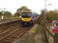 TransPennine Express 185139 heads north through Kearsley with the 12.23 Manchester Airport to Blackpool North service on 14 November 2011.  <br><br>[David Pesterfield&nbsp;14/11/2011]