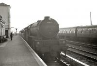 Tweedmouth based V2 2-6-2 no 60865 arrives at Berwick from the south in September 1962.<br><br>[R Sillitto/A Renfrew Collection (Courtesy Bruce McCartney)&nbsp;10/09/1962]