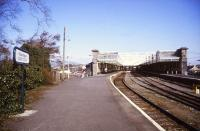 Looking back along the platform towards the station concourse at Sligo in 1996.<br><br>[Ian Dinmore&nbsp;/04/1996]