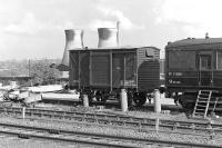 Still life on the south side of Wakefield Kirkgate station in May 1977. The power station in the background is clearly still in business and would continue to function for a further 14 years, demolition taking place three years after closure, in 1994. [See image 21784]<br><br>[Bill Jamieson&nbsp;/05/1977]
