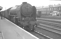A2 no 60523 <i>Sun Castle</i> at Doncaster on 1 September 1962 with the 1.10pm Kings Cross - Leeds.<br><br>[K A Gray&nbsp;01/09/1962]