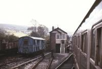The driver of a Shrewsbury - Swansea train completes the exchange with the  Pantyffynon signalman in August 1987.<br><br>[Ian Dinmore&nbsp;/08/1987]