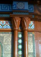 Perfect looking Corinthian capitals adjacent to the waiting room on platform 2 at Worcester Shrub Hill in December 2011. The paint, however, looks to be about two inches thick.<br><br>[Ken Strachan&nbsp;31/12/2011]