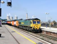 Freightliner 66556 eastbound through Didcot towards London on 29 March with a freight from Avonmouth Docks.<br><br>[Peter Todd 29/03/2012]