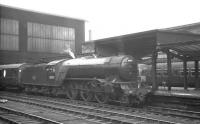 Gresley V2 2-6-2 no 60955 stands at Carlisle platform 4 on 14 August 1965, having just brought in the 9.50am Edinburgh Waverley - Leeds City.<br><br>[K A Gray&nbsp;14/08/1965]