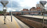Looking south through Leicester station on 4 July 2012.<br><br>[John McIntyre&nbsp;04/07/2012]