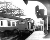 Clayton D8589 takes an oil train through Newcastle Central in September 1969.<br><br>[John Furnevel&nbsp;30/09/1969]
