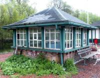 The old signal box located at the north end of the island platform at Rannoch station in 2003.<br><br>[John Furnevel&nbsp;20/05/2003]