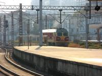 A CR diesel locomotive runs round its train at the south end of Hangzhou station on 13 December.<br><br>[Mark Poustie&nbsp;13/12/2012]