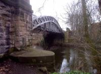 This arched bridge over the River Derwent near Derby Friargate station [see image 42539] was built only 200 yards downstream in the Handyside Foundry. View looks towards Nottingham, in a round about way.<br><br>[Ken Strachan&nbsp;21/02/2013]