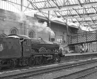 The previous occasion on which I had seen�Castle�class No. 5043�<I>Earl of Mount Edgcumbe</I>�had been back in the early 1970s at Barry scrapyard so I had never thought it would one day be seen steaming into Carlisle - but here it is on 20th June 2009 entering platform 3 there on the�<I>Castle over Shap</I>�tour from Tyseley, which it worked from Crewe. <br><br>[Bill Jamieson&nbsp;20/06/2009]