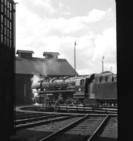 Servicing having been completed, 044 204 retires into the small roundhouse at Ottbergen on 13 September 1975. Being a Saturday afternoon, it is unlikely it will have to exert itself again before Monday morning.<br><br>[Bill Jamieson&nbsp;13/09/1975]