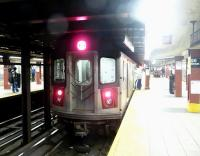 Platform scene at New York Subway's 96th Street station on 22 March 2014.<br><br>[Jim Peebles&nbsp;22/03/2014]