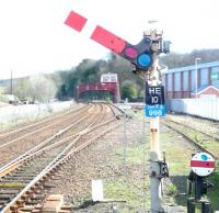 Right away at Hexham on 8 April 2014. View east from platform 2.<br><br>[Jim Peebles&nbsp;08/04/2014]