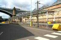 The eastern section of the new canopy over Waverley <I>sub</I> platforms 8 and 9 on 11 April 2014. View back towards the stairway linking the car park and the cross-station walkway. [See image 8347]<br><br>[John Furnevel&nbsp;11/04/2014]