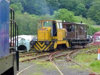 Former Rosyth Dockyard Hunslet MOD 251 running brake van trips at the Shed 47 Group Lathalmond site on 15 June. [See image 17274] <br><br>[Bill Roberton&nbsp;15/06/2014]