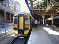 A Newcraighall - Dunblane service undergoes a crew change at Waverley 'sub' platform 21 on 8 September 2006.<br><br>[John Furnevel&nbsp;08/09/2006]