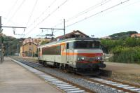 SNCF 25kV B-B locomotive No 107277 runs light through Collioure on 23 September 2014 heading towards the border station of Cerb�re<br><br>[Malcolm Chattwood&nbsp;23/09/2014]