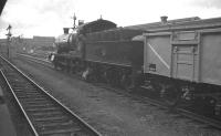 Ex-GWR 2-8-0 2886 with a down goods through Swindon Station on 6 October 1961.<br><br>[K A Gray&nbsp;06/10/1961]