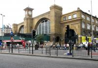 Kings Cross station, looking west along Euston Road in July 2005.<br><br>[John Furnevel&nbsp;23/07/2005]