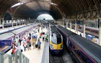 Looking towards the concourse at Paddington from the overbridge in July 2005.<br><br>[John Furnevel&nbsp;/07/2005]