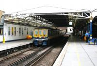 The through Thameslink platforms at Blackfriars looking north towards the Metropolitan Widened Lines in July 2005 with a Bedford train standing at platform 5.<br><br>[John Furnevel /07/2005]