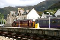 37406 prepares to take the Fort William portion of the Highland Sleeper south on 27 September 2005. The train will join up with the Inverness and Aberdeen portions at Edinburgh Waverley for the journey south to Euston.<br><br>[John Furnevel&nbsp;27/09/2005]