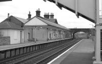 Looking east through Annan Station on 5 March 1989.<br><br>[Bill Roberton&nbsp;05/03/1989]