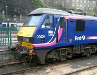 Sleeper-liveried 90021 stabled in the east end bay at Waverley on the afternoon of 19 March 2015.<br><br>[Veronica Clibbery&nbsp;19/03/2015]