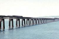 A B1 crossing the Tay Bridge in August 1962 with a northbound goods.<br><br>[Colin Miller&nbsp;/08/1962]