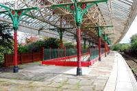 The fine canopy over the island platform at Nelson in 2007. Only one face of the island is currently in use. This view looks to Colne.<br><br>[Ewan Crawford&nbsp;21/09/2007]