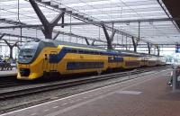 A four car DubbeldeksInterregiomaterieel or Verlengd InterRegio Materieel (DD-VIRM to its friends) about to head west from Rotterdam Central on 15 July 2015.<br><br>[Andrew Wilson&nbsp;15/07/2015]