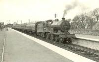 40624 calls at Ardrossan South Beach on 4 April 1959 with a train for St Enoch. <br><br>[G H Robin collection by courtesy of the Mitchell Library, Glasgow&nbsp;04/04/1959]