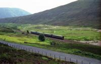 A pair of Class 158s head north near Dalnaspidal in 1994<br><br>[John McIntyre&nbsp;12/08/1994]