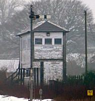 Kirkconnel signal box is in need of TLC. View north on 18 January 2016.<br><br>[Colin Miller&nbsp;18/01/2016]