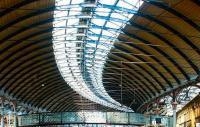 Part of the station roof at Newcastle Central in July 2004 following cleaning. <br><br>[John Furnevel&nbsp;06/07/2004]
