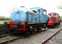 Locomotives on display in the yard at Summerlee Industrial Museum on 9 May 2005 include Sentinel 4wVB <I>Robin</I> (9628/1957), one of four previously employed by R B Tennent Ltd at their nearby Whifflet Foundry [see image 52917]. Standing beyond is Barclay 0-4-0DH no 5 (472/1966).  <br><br>[John Furnevel&nbsp;09/05/2005]